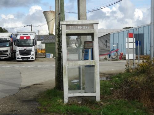 plougoumelen, cabine téléphonique
